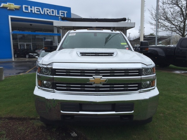 2017 Silverado 3500 Crew Cab 4x4, Dejana Truck & Utility Equipment Landscape Dump #112506 - photo 4