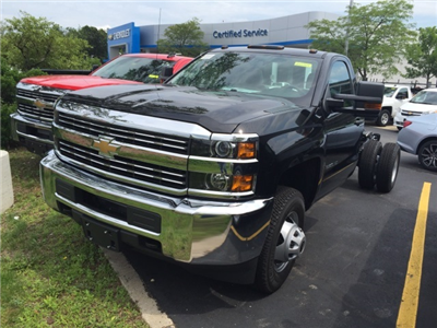 2017 Silverado 3500 Regular Cab 4x4 Cab Chassis #222169 - photo 1
