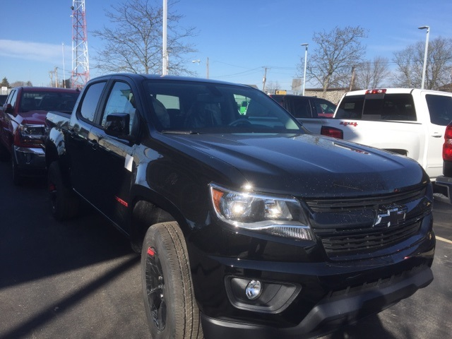 2018 Colorado Crew Cab 4x4,  Pickup #223266 - photo 3