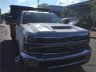 2017 Silverado 3500 Regular Cab 4x4 Dump Body #236451 - photo 3