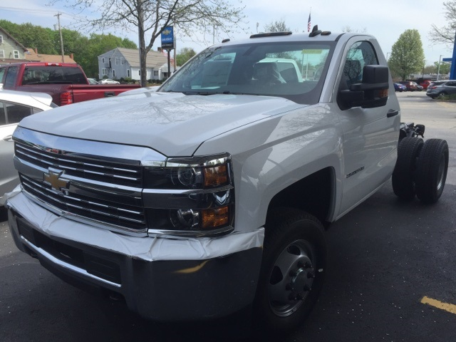 2018 Silverado 3500 Regular Cab DRW 4x4, Cab Chassis #303838 - photo 1