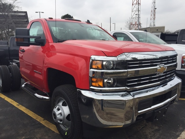 2018 Silverado 3500 Regular Cab DRW 4x4,  Cab Chassis #304061 - photo 3