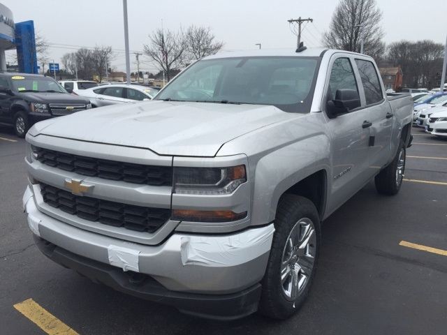 2018 Silverado 1500 Crew Cab 4x4, Pickup #315609 - photo 1