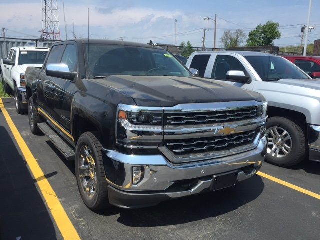 2018 Silverado 1500 Crew Cab 4x4, Pickup #384438 - photo 2