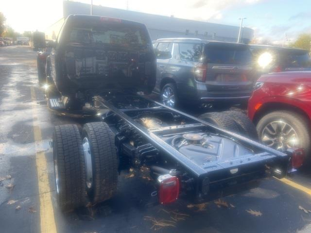 2020 Chevrolet Silverado 4500 Regular Cab DRW 4x2, Cab Chassis #LH270088 - photo 2