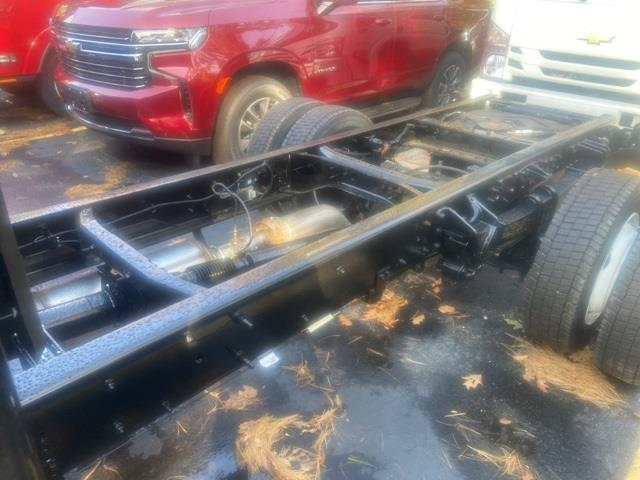 2020 Chevrolet Silverado 4500 Regular Cab DRW 4x2, Cab Chassis #LH270088 - photo 5