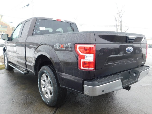 2018 F-150 Super Cab 4x4, Pickup #H180201 - photo 2