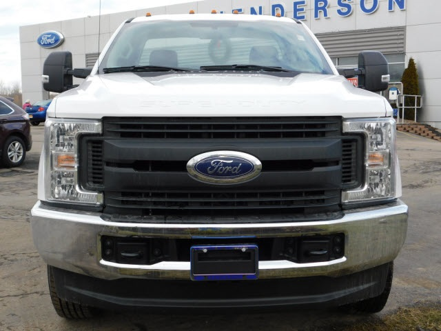 2018 F-250 Regular Cab 4x4, Pickup #H180256 - photo 3