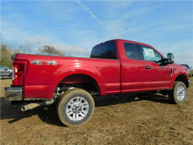 2017 F-250 Super Cab 4x4 Pickup #AT09111 - photo 2