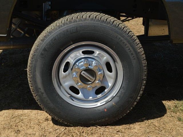 2017 F-250 Regular Cab 4x4,  Pickup #AT09137 - photo 23