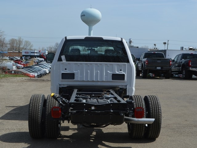 2018 F-350 Crew Cab DRW 4x2,  Cab Chassis #AT09627 - photo 4