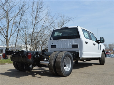 2018 F-350 Crew Cab DRW 4x2,  Cab Chassis #AT09627 - photo 2
