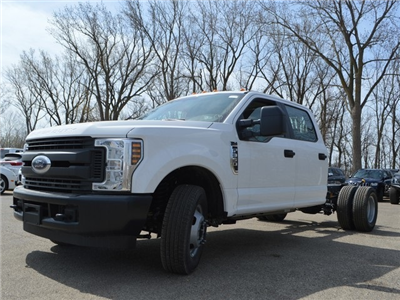2018 F-350 Crew Cab DRW 4x2,  Cab Chassis #AT09627 - photo 5