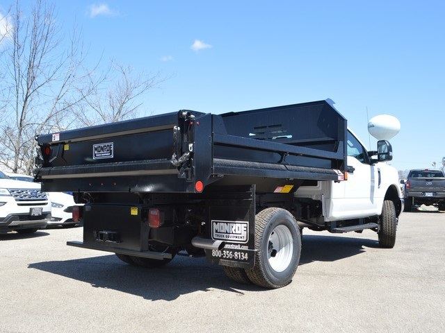2018 F-350 Regular Cab DRW 4x4,  Monroe Dump Body #AT09690 - photo 2