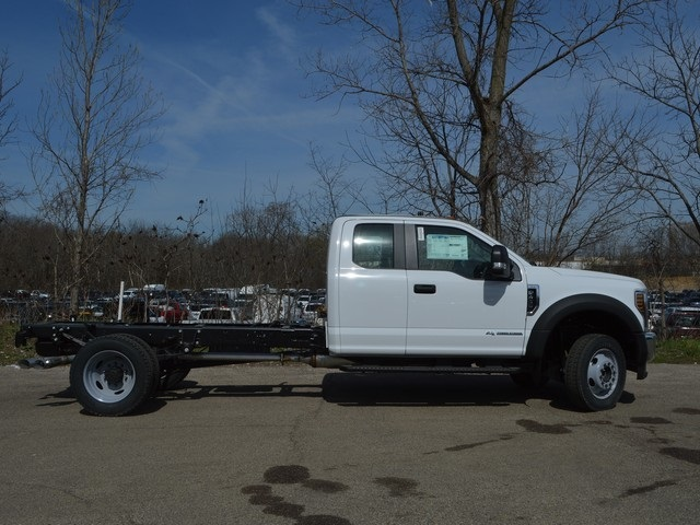 2018 F-450 Super Cab DRW 4x4,  Cab Chassis #AT09721 - photo 3