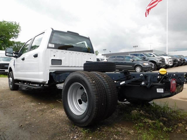 2018 F-350 Crew Cab DRW 4x2,  Cab Chassis #AT09838 - photo 4