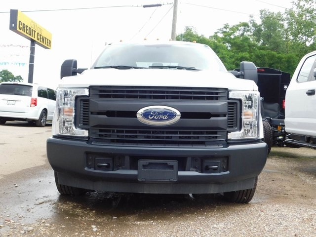 2018 F-350 Crew Cab DRW 4x2,  Cab Chassis #AT09838 - photo 6