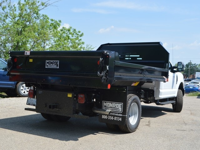 2018 F-350 Regular Cab DRW 4x4,  Monroe Dump Body #AT09877 - photo 3