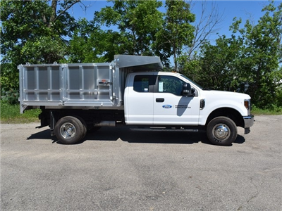 2018 F-350 Super Cab DRW 4x4,  Monroe MTE-Zee Landscape Dump #AT09980 - photo 5