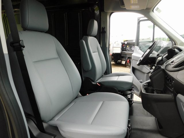 2018 Transit 250 Med Roof 4x2,  Empty Cargo Van #AT09985 - photo 17