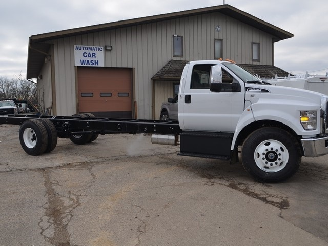 2019 F-650 Regular Cab DRW 4x2,  Cab Chassis #AT10227 - photo 4