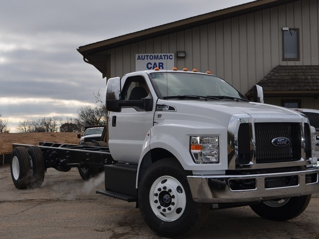 2019 F-650 Regular Cab DRW 4x2,  Cab Chassis #AT10227 - photo 9