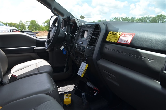 2019 F-450 Regular Cab DRW 4x4,  Monroe Dump Body #AT10523 - photo 13