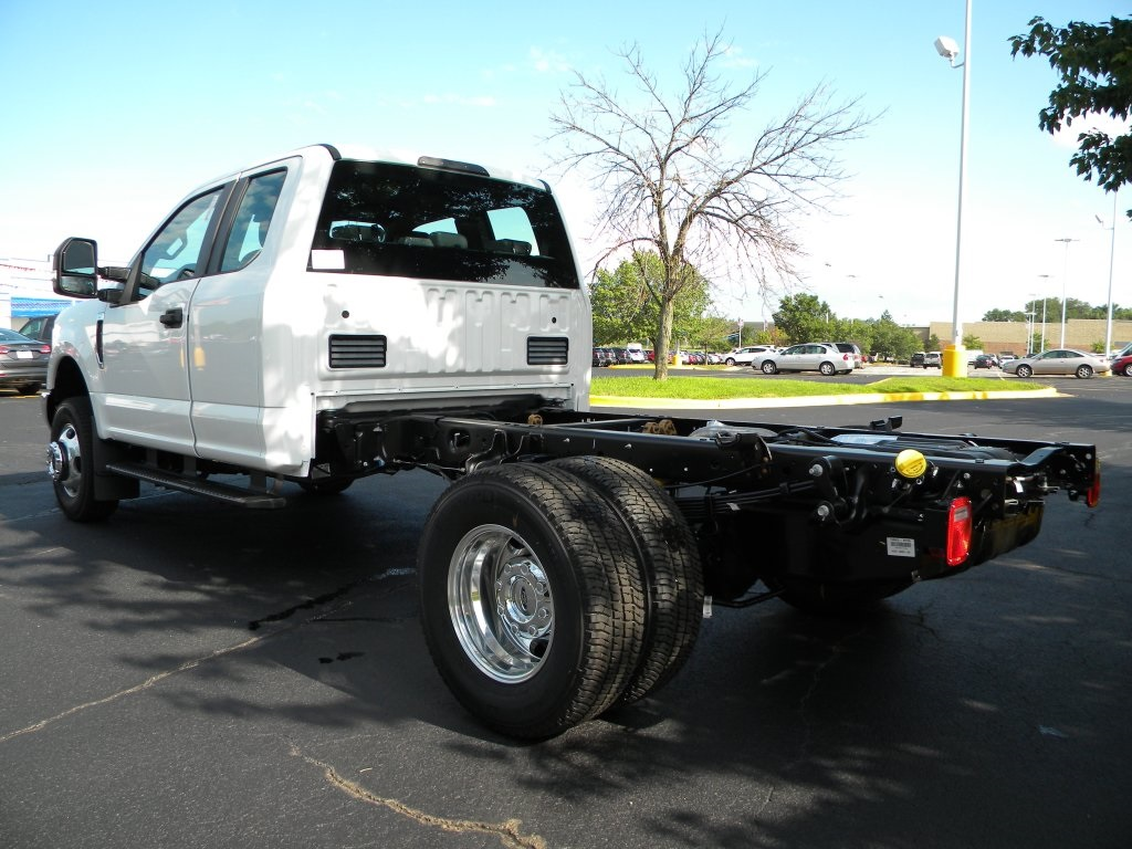 2017 F-350 Super Cab DRW 4x4,  Cab Chassis #TT21351 - photo 2