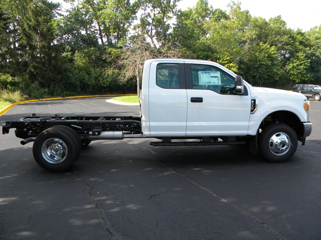 2017 F-350 Super Cab DRW 4x4,  Cab Chassis #TT21351 - photo 6