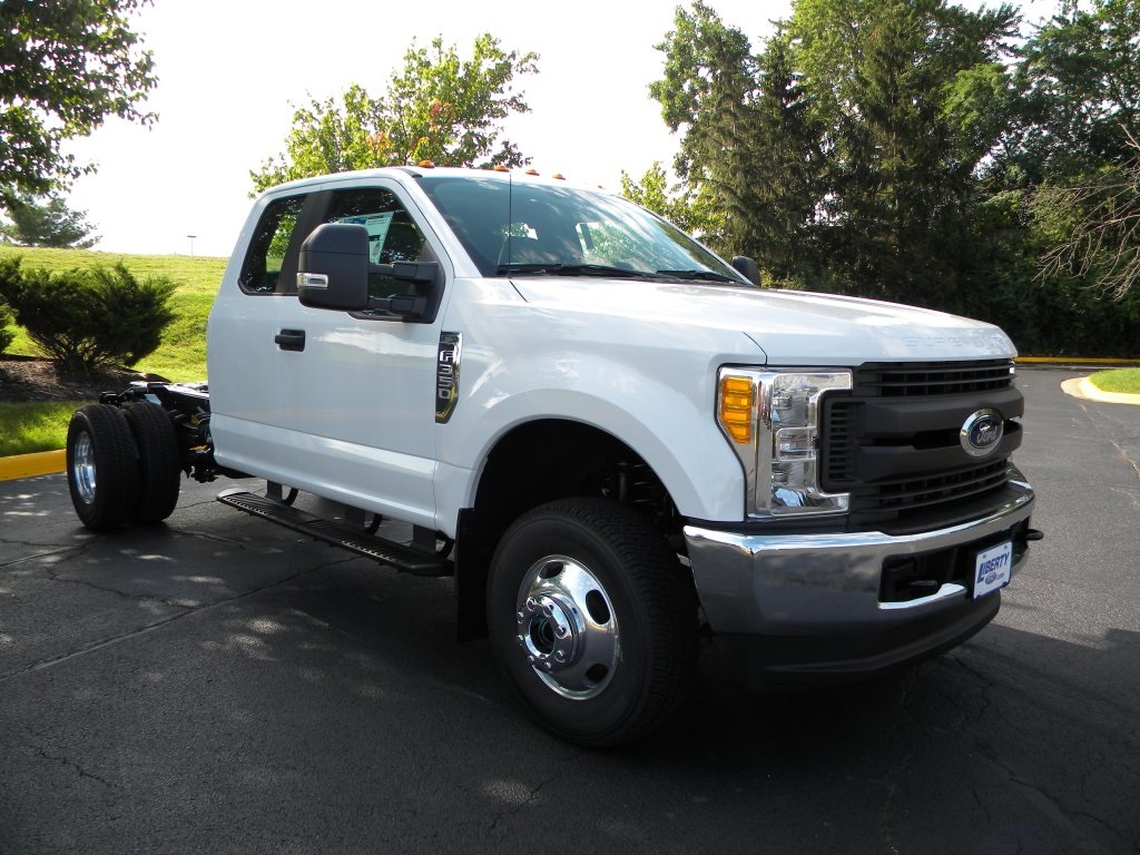 2017 F-350 Super Cab DRW 4x4,  Cab Chassis #TT21351 - photo 7