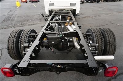 2018 F-550 Regular Cab DRW 4x4,  Cab Chassis #TW50015 - photo 4