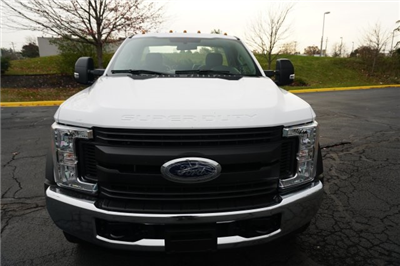 2018 F-550 Regular Cab DRW, Cab Chassis #TW50019 - photo 8