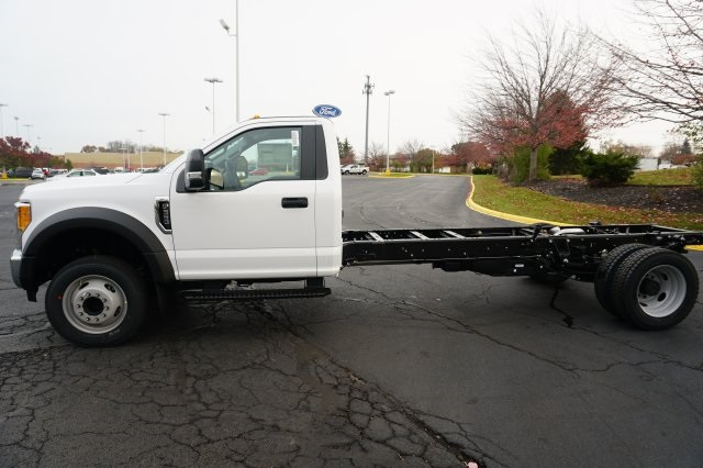 2018 F-550 Regular Cab DRW 4x4, Cab Chassis #TW50026 - photo 3