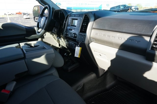 2019 F-550 Regular Cab DRW 4x4,  Cab Chassis #TX50129 - photo 23