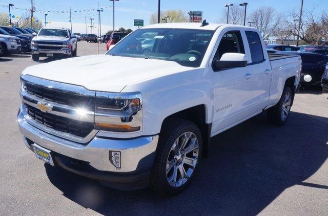 2017 Silverado 1500 Double Cab 4x4 Pickup #133264 - photo 4