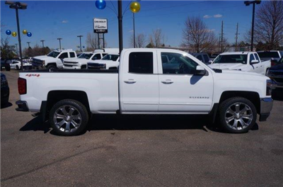 2017 Silverado 1500 Double Cab 4x4, Pickup #133264 - photo 3