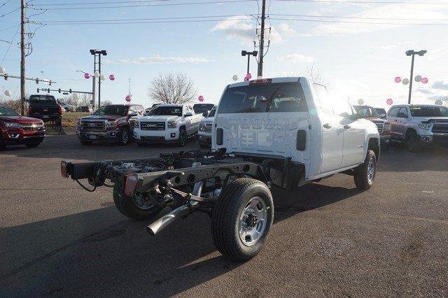2018 Silverado 2500 Double Cab 4x4, Cab Chassis #133589 - photo 2