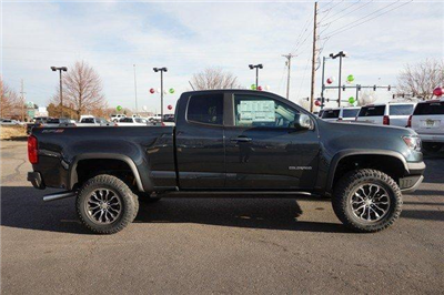 2018 Colorado Extended Cab 4x4, Pickup #133656 - photo 3