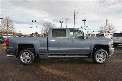 2015 Silverado 2500 Crew Cab 4x4 Pickup #19081 - photo 3