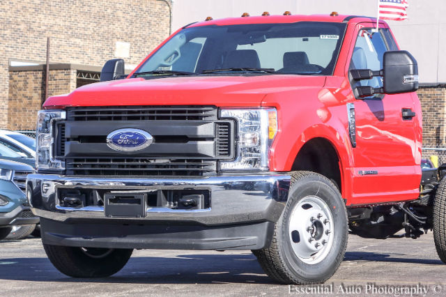 2017 F-350 Regular Cab DRW 4x4 Cab Chassis #171080 - photo 4