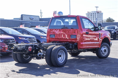 2017 F-350 Regular Cab DRW 4x4 Cab Chassis #171080 - photo 2