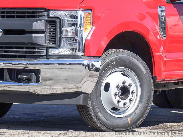 2017 F-350 Super Cab DRW Cab Chassis #171331 - photo 4