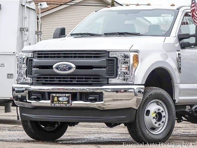 2017 F-350 Regular Cab DRW 4x4 Cab Chassis #171468 - photo 3
