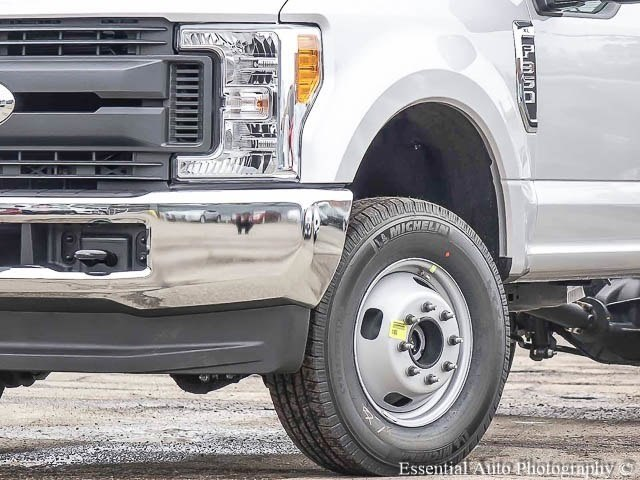 2017 F-350 Regular Cab DRW 4x4 Cab Chassis #171468 - photo 4