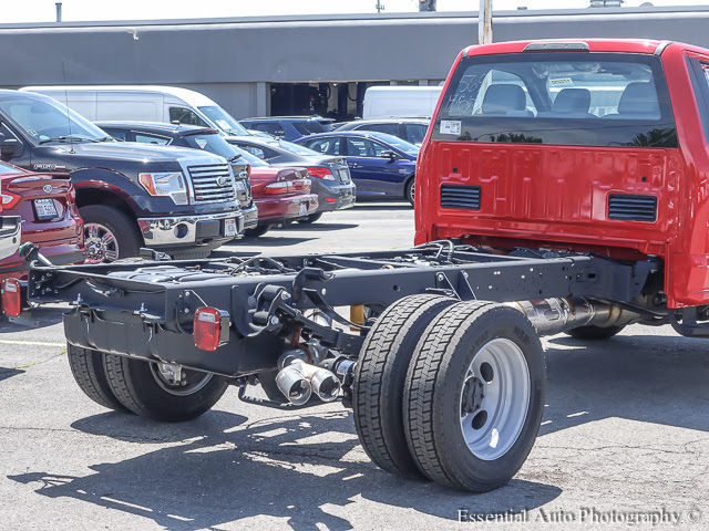 2017 F-450 Regular Cab DRW Cab Chassis #172230 - photo 9