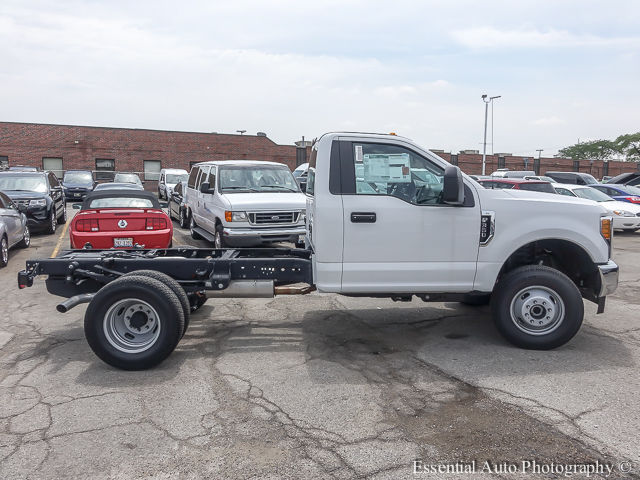 2017 F-350 Regular Cab DRW 4x4 Cab Chassis #172588 - photo 10