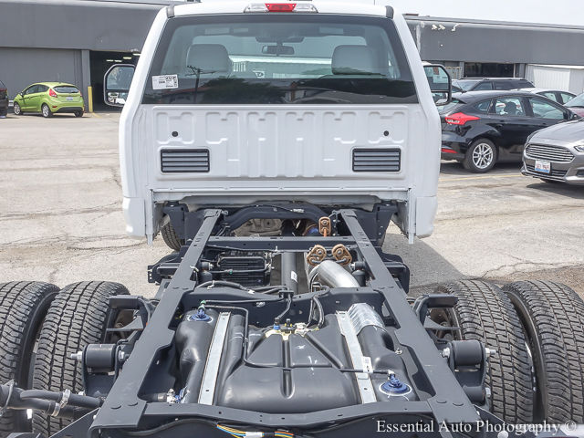 2017 F-350 Regular Cab DRW 4x4 Cab Chassis #172588 - photo 21