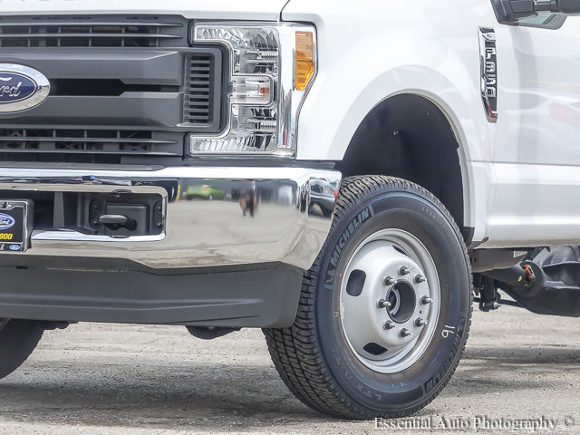 2017 F-350 Regular Cab DRW 4x4 Cab Chassis #172588 - photo 4