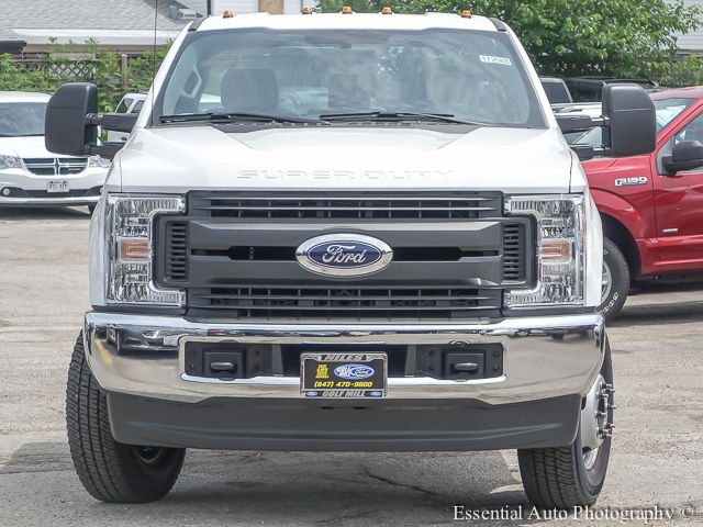 2017 F-350 Regular Cab DRW 4x4 Cab Chassis #172588 - photo 5