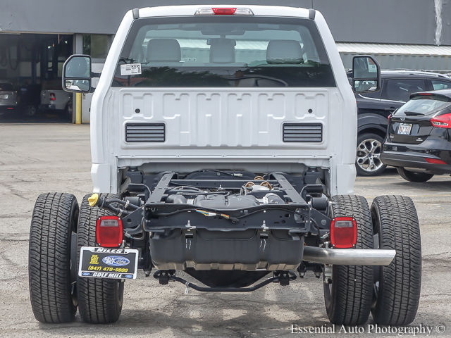 2017 F-350 Regular Cab DRW 4x4 Cab Chassis #172588 - photo 7